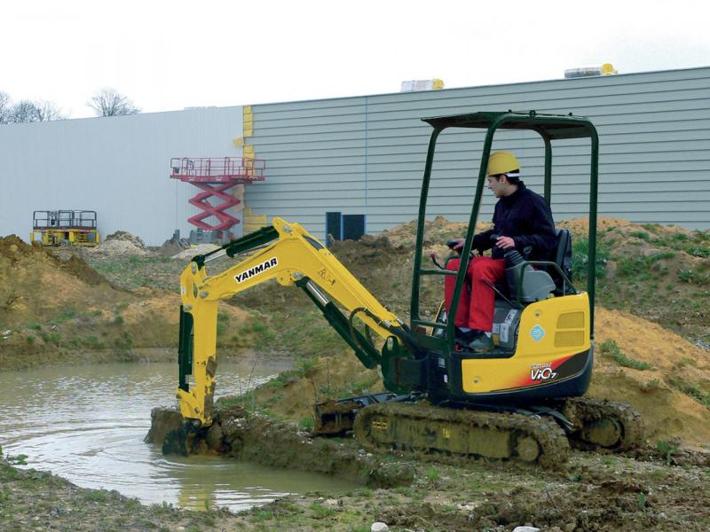 Yanmar Vio17U Zero Tail Swing Excavator - Op weight 1765kg - variable width tracks